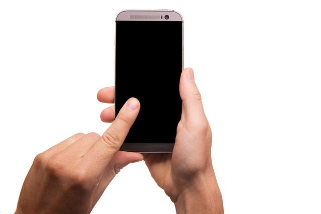 Uchyťte svůj telefon silně a bezpečně
