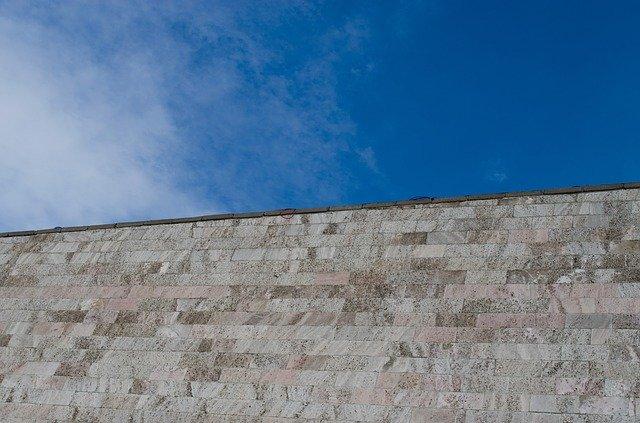 betonová zídka