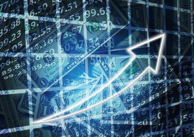 Jak se ekonomika měnila od socialistického směru až po keynesiánství