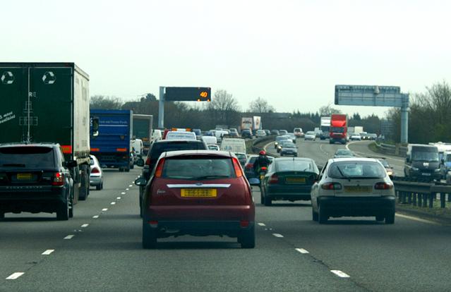hustý provoz na dálnici